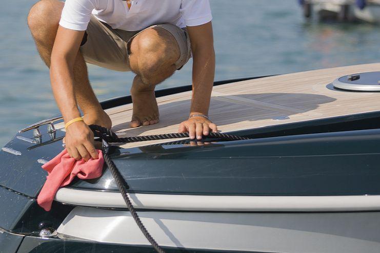 Boot reinigen leichtgemacht – Wasser, Seife und Wachs sind vielseitig