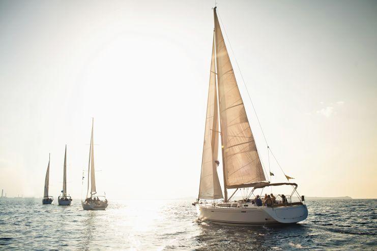 Verkehrsregeln auf dem Wasser: Wichtig für jeden Bootsführer