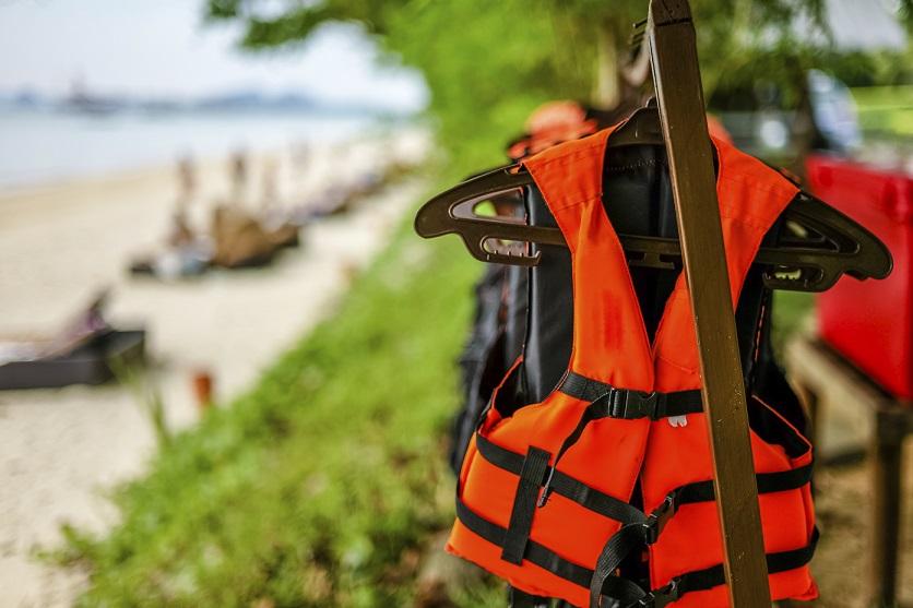 Sicherheit mit Stil – Darauf müssen Sie bei Bootsbekleidung achten
