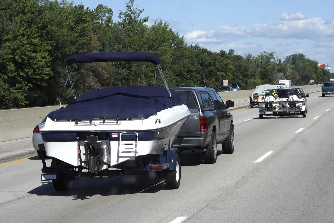 Mit Boot und Trailer unterwegs - Darauf müssen Sie achten