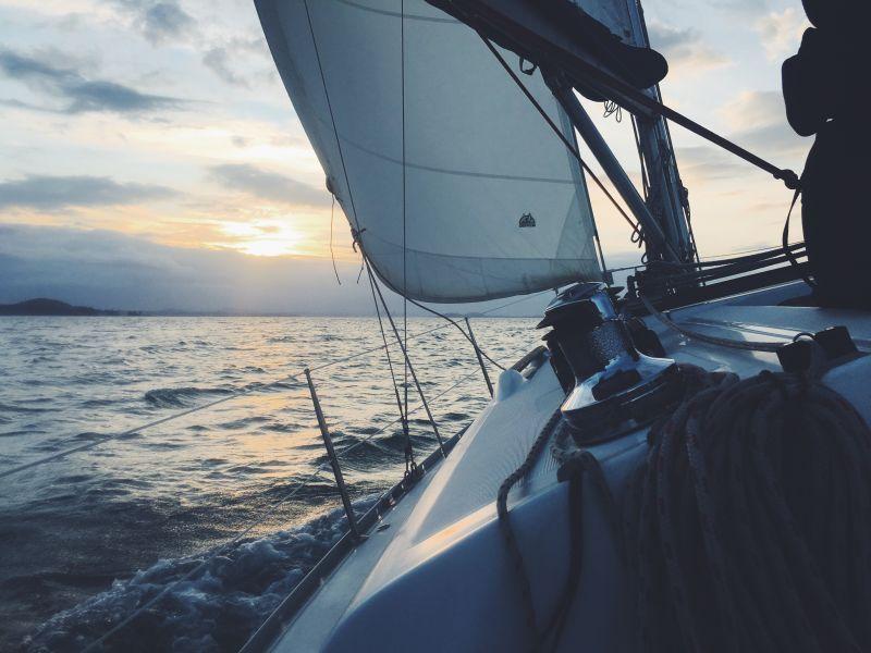 Unverzichtbare Apps für die Zeit auf See